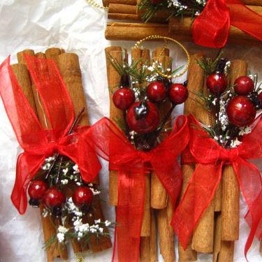 Decorazioni Natalizie Con La Cannella.Decorazioni Di Natale Con I Bastoncini Di Cannella