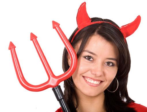 La diavoletta - Costumi Halloween fai da te per donne 669b793eaa2d