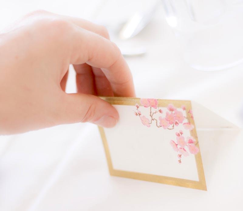 Matrimonio Tema Amore : Idee creative per i segnaposto di matrimonio