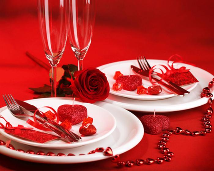Decorare la tavola per la cena di san valentino - Idee tavola san valentino ...
